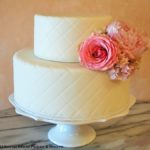 2319 Wedding fondant quilted white 2-tier round freshflowers