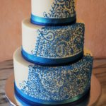 2405 Wedding BC Round 3-tier teal piping paisley applied baseborders